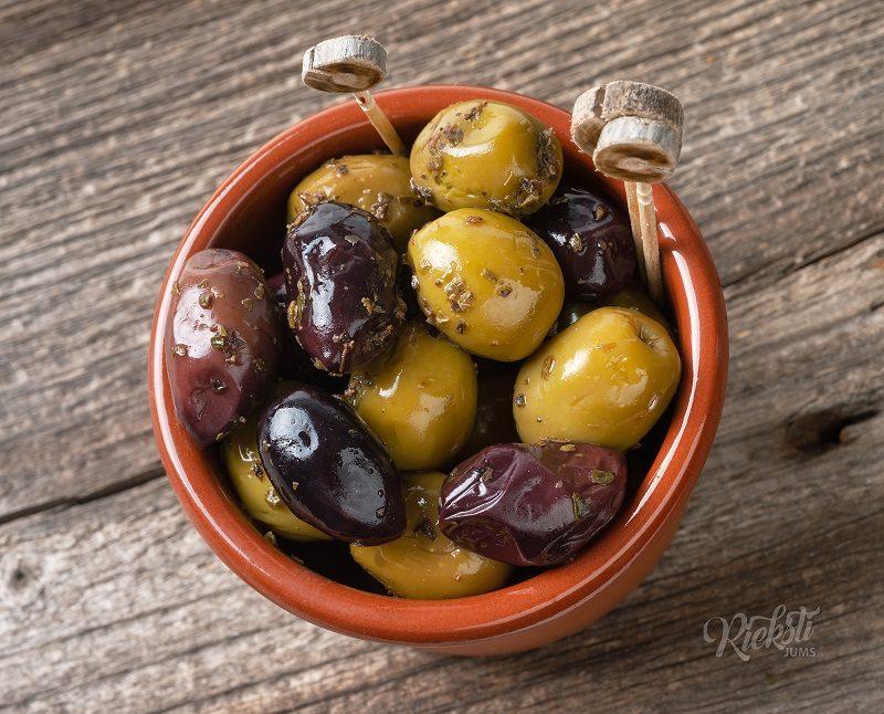 Смесь Каламата и зеленых оливок с душицей 250г