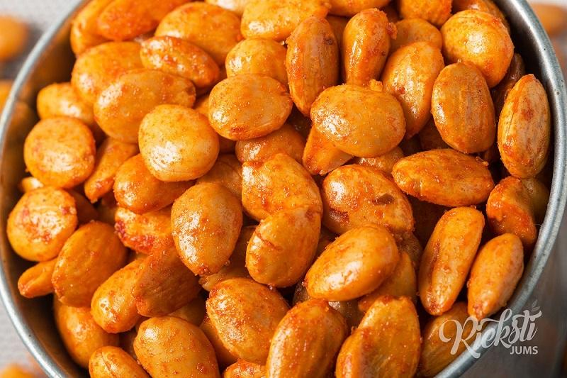 Eļļā ceptas mandeles ar papriku, 1 kg